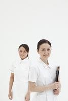 看護師長と若い看護師