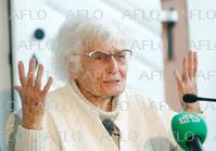100歳で初の政界進出 地方議会選でトップ当選