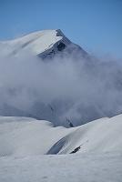 富山県 立山の春 奥大日岳