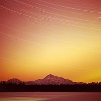 アメリカ合衆国 北米最高峰 Mt.マッキンリーに舞うオーロラ