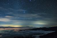 長野県 八方尾根より雲海と星空