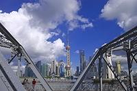 中国 上海 ガーデンブリッジより浦東