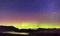 アメリカ合衆国 アラスカ タングル湖 オーロラと星空