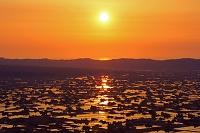 富山県 夢ノ平より砺波の散居村と夕陽