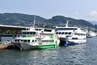 長崎県 長崎港に停泊する高速船