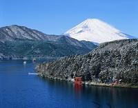 神奈川県・箱根町 芦ノ湖と富士山