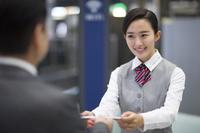 空港の事務員