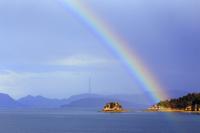瀬戸内海にかかる虹
