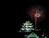 名古屋城と花火