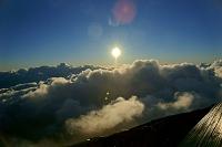 山梨県/静岡県 富士山・八合目からの雲海とご来光