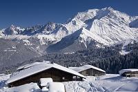 フランス モンブラン山群とロッジ