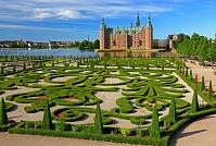 デンマーク フレデリクスボー城と庭園