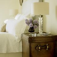 インテリア ベッドサイドテーブル