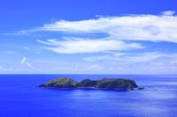 東京都 小笠原諸島 父島 三日月山展望台から望む西島と太平洋
