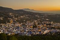 モロッコ シャウエン 夕暮の街並