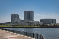 春海橋公園から望む新豊洲周辺の街並み