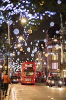 イギリス クリスマス装飾のロンドンの街並み
