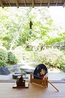 畳と団扇と庭園
