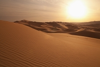 UAE アラブ首長国連邦 アブダビ 砂漠に沈む夕日