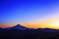静岡県 富士山と清水吉原の朝焼け