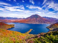日本 栃木県 日光 中禅寺湖と八丁出島と男体山