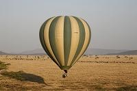 タンザニア セレゲンティ サファリツアーの熱気球