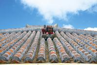 沖縄県 赤瓦とシーサー