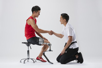 義足陸上競技選手と義肢装具士