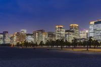 東京都 夜の皇居前広場