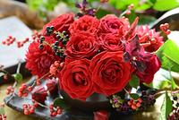 赤いバラのフラワーアレンジメント