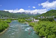 群馬県 利根川と谷川岳