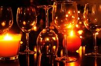 キャンドルとワイングラス