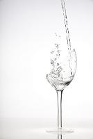 グラスに注がれた水