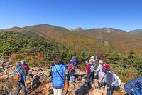 福島県 二本松市 安達太良山と登山客