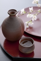 日本酒とサクラ