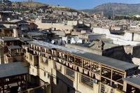 皮なめし場とフェズの町並 フェズ モロッコ