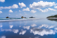 鹿児島県 鏡面反射する竹崎海岸