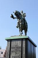 オランダ ハーグ オランダ国王ウィレム2世(1792~1849年)の像