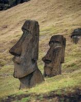 イースター島 ラノ・ララクのモアイ像