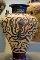 ギリシャ アテネ 国立考古学博物館 タコの絵が描かれた壺
