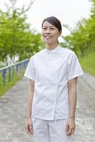 女性介護士