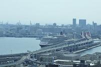神戸港にクイ-ン・エリザベス(初入港)