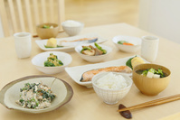 和朝食が並ぶ食卓