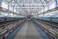 群馬県 富岡製糸場 繰糸場内観 最新型自動繰糸機10セット設備