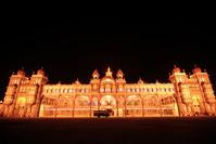 インド ライトアップされたマイソール宮殿