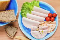 食べ物 ソーセージとパン