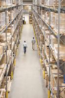 工場で働くビジネスマン工場