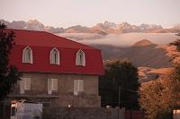 キルギス ロッジと天山山脈