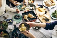 ホームパーティーの食卓