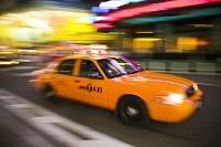 ニューヨークを走るイエローキャブ